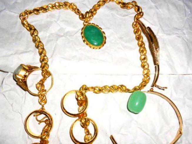 Anh trai ở Tiền Giang cắt két sắt trộm tiền, vàng gần 70 triệu đồng của em gái