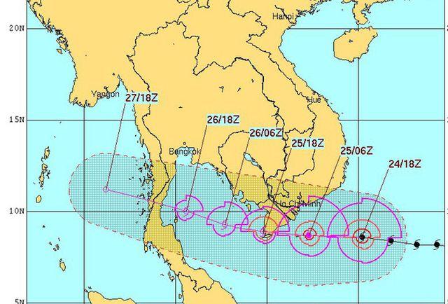 Sơ đồ đường đi cơn bão Tembin được phát lúc 8h30 ngày 25-12 của Trung tâm dự báo khí tượng thủy văn Trung ương