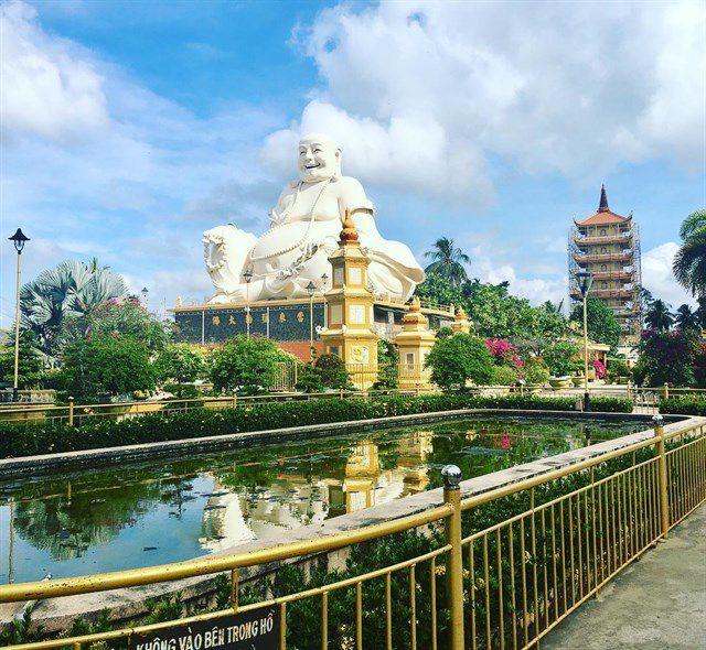 Chùa Vĩnh Trang nổi tiếng là 1 trong 3 ngôi chùa cổ nhất Tây Nam Bộ
