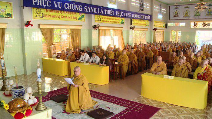 Lễ kỷ niệm 709 năm ngày Phật hoàng Trần Nhân Tông nhập niết bàn tại chùa Vĩnh Tràng. Ảnh: Trần Liêm