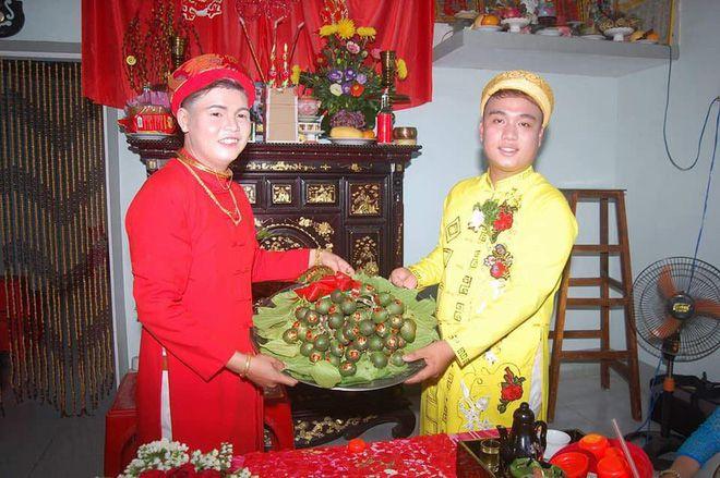 Cô dâu Y Thiện (Trái) và chú rể Minh Khoa - Ảnh: Facebook T.D