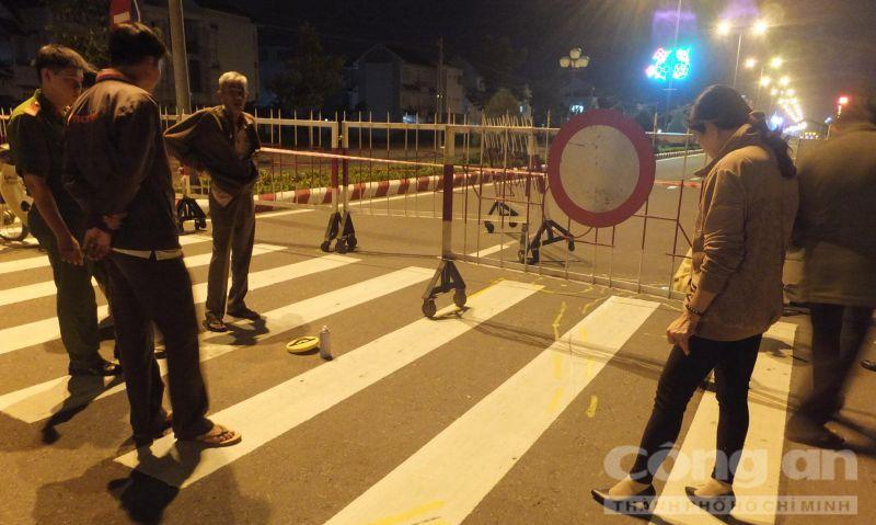 Mỹ Tho: Rào đường tổ chức hội chợ không đèn cảnh báo, 1 người nguy kịch