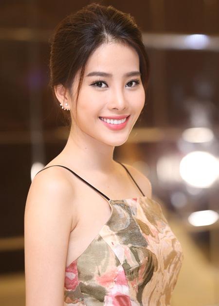 Hoa Hậu Việt Nam 2012 - Nguyễn Thị Lệ Nam Em quê Tiền Giang