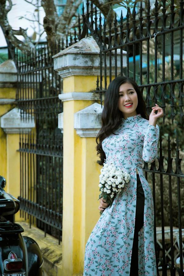 Tôn Hồng Hoa - Cô gái Tiền Giang dành cả tuổi thanh xuân để chụp với áo dài
