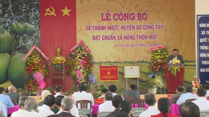 Ông Lê Văn Nghĩa – PCT UBND tỉnh Tiền Giang phát biểu tại buổi lễ công bố xã Thạnh Nhựt đạt xã nông thôn mới