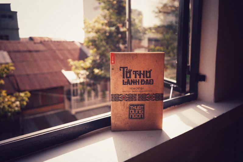 Chào ngày mới vừa nhâm nhi cafe, vừa đọc sách thì còn gì bằng