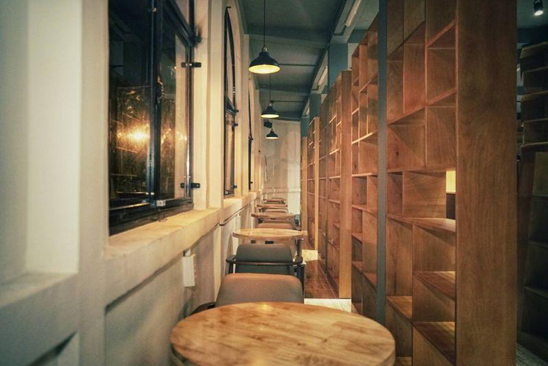 Không gian ấm áp tại Đại Việt Bookstore & Coffee Mỹ Tho
