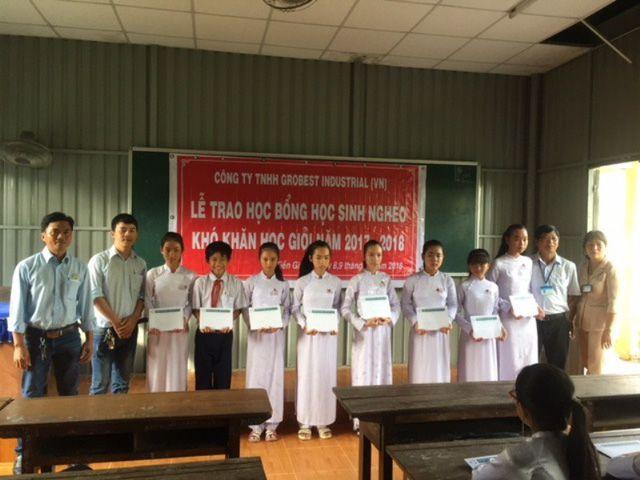 Grobest VN đã trao học bổng tại trường THCS Võ Văn Dánh, xã Tăng Hòa, huyện Gò Công Đông, Tiền Giang