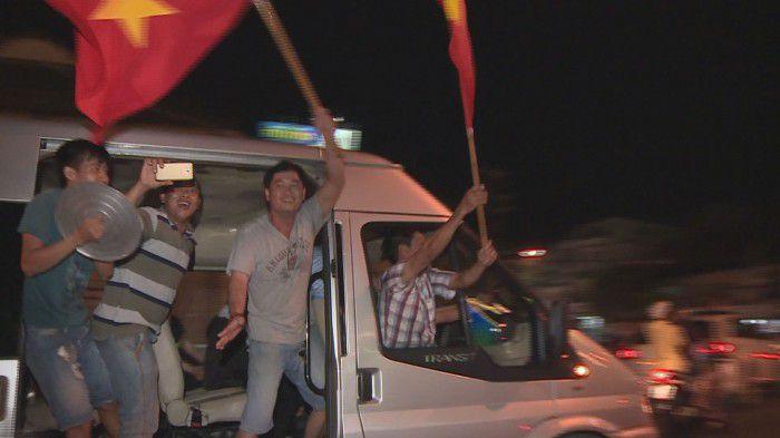 Người hâm mộ Mỹ Tho xuống đường chúc mừng U23 Việt Nam chiến thắng Qatar