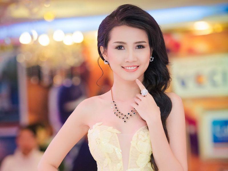 Người đẹp Phan Thị Mơ.
