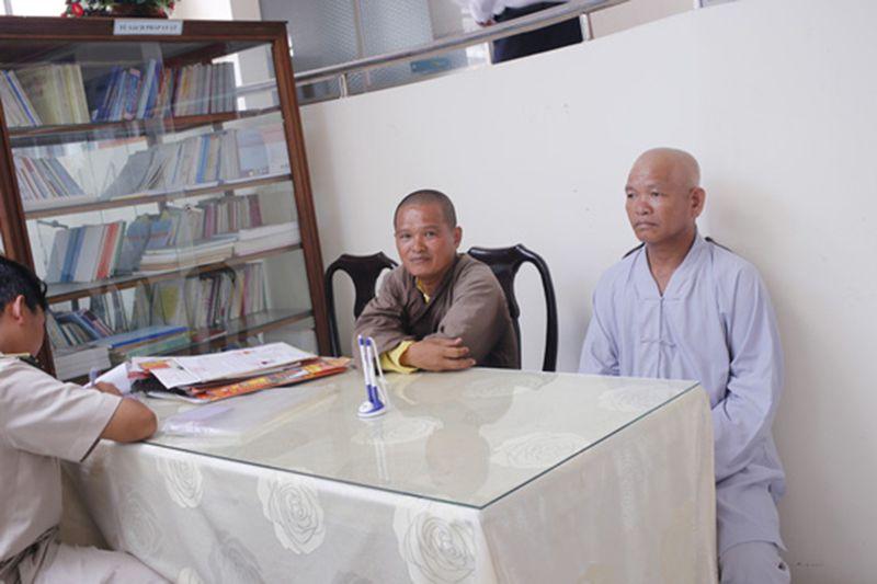 Cạo đầu đi xin tiền, 2 sư giả quê Tiền Giang bị đưa vào trung tâm bảo trợ