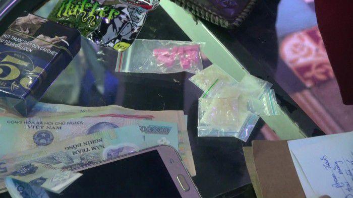 Công an Mỹ Tho bắt quả tang sử dụng ma túy tại vũ trường New Club