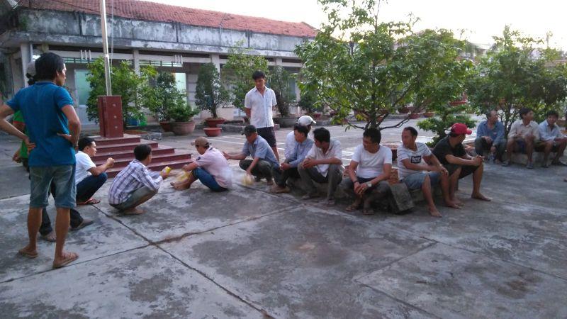 Một ngày phá 2 trường gà lớn ở huyện Châu Thành, Tiền Giang