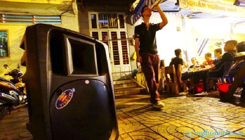 Tiền Giang: Đo tiếng ồn karaoke, 3 giới chức bị đánh trọng thương