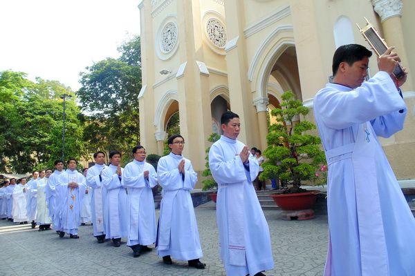 Tổng giám mục Mỹ Tho: Thông báo phong chức linh mục