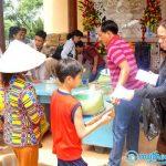 Chùa Linh Quang tặng quà từ thiện tại Tiền Giang