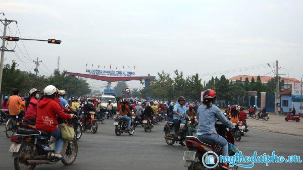 Long An, Tiền Giang: Công nhân lao động đã trở lại làm việc bình thường