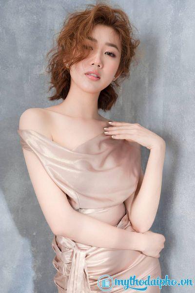 Mỹ nhân Tiền Giang: Thúy Ngân khoe đường cong sexy