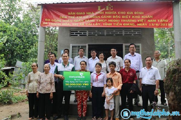 Trao tặng 10 căn nhà tình nghĩa cho các hộ gia đình khó khăn ổ Tiền Giang