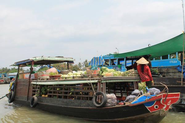 Đến Tiền Giang chưa ghé chợ nổi Cái bè coi như chưa đi. Ảnh: Phước Bình.