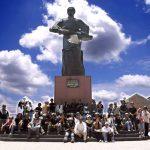 Đến Gò Công nhớ ghé thăm quan Lăng anh hùng dân tộc Trương Định. Ảnh: gocong.