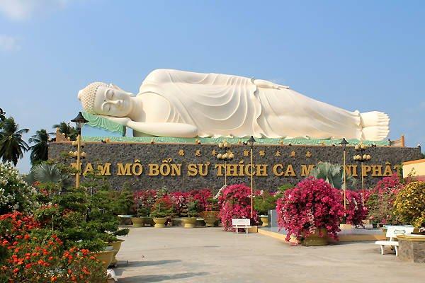 Đến Tiền Giang đừng bỏ qua điểm tâm linh chùa Vĩnh Tràng.