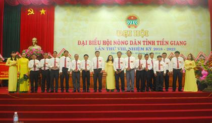 Đoàn Đại biểu đi dự Đại hội cấp trên ra mắt.
