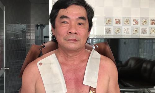 Người đàn ông Tiền Giang hút bàn, dao inox