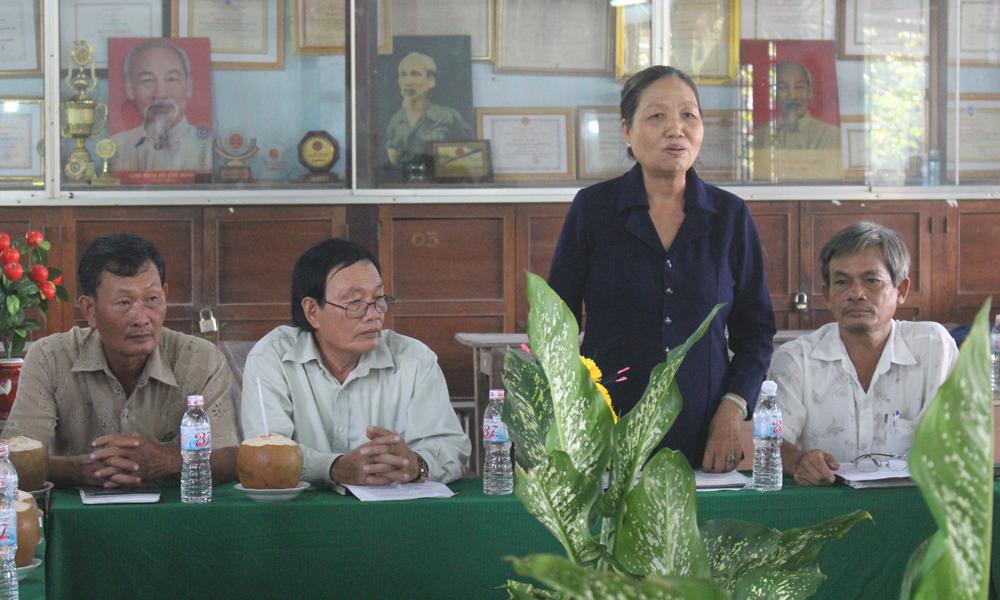 Giám đốc HTX Nông nghiệp kinh doanh tổng hợp Bình Tây phát biểu ý kiến.