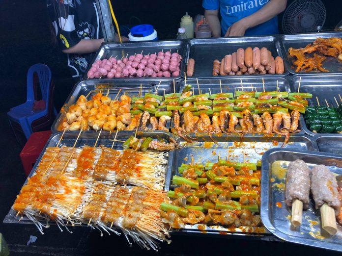 Ad đang du hí ở Chợ đêm ăn uống Cần Thơ
