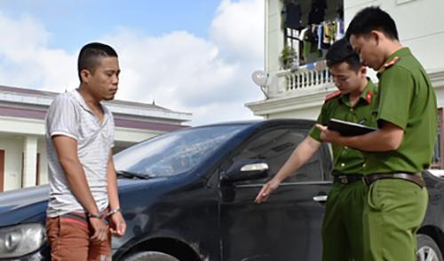 Nghi can Nguyễn Văn Nam tại cơ quan công an. Ảnh: C.A.