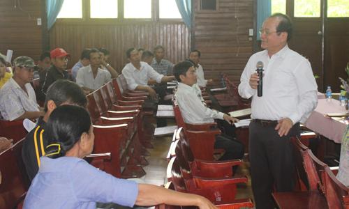Phó Chủ tịch UBND tỉnh Trần Thanh Đức phát biểu tại buổi gặp gỡ.