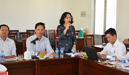 Đồng chí Nguyễn Thị Sáng phát biểu tại buổi làm việc.