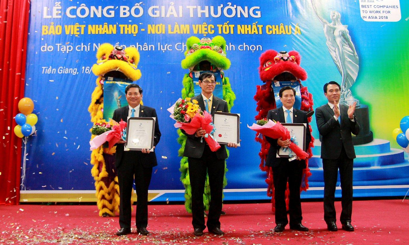 """Bảo Việt Nhân thọ Long An, Bến Tre và Tiền Giang nhận được chứng nhận """"Nơi làm việc tốt nhất Châu Á""""."""