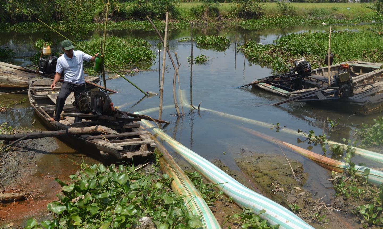Hạn hán gay gắt diễn ra năm 2016 trên địa bàn Tiền Giang ảnh hưởng trực tiếp đến sản xuất lúa khu vực phía Đông của tỉnh cho thấy tác động lớn của BĐKH.