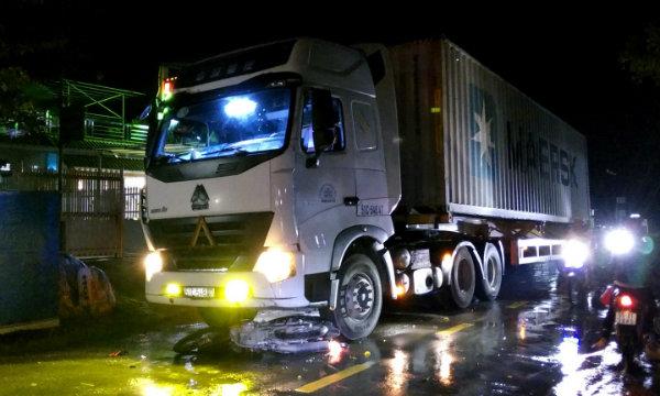 Châu Thành: Lọt gầm xe đầu kéo, một nam thanh niên nhập viện