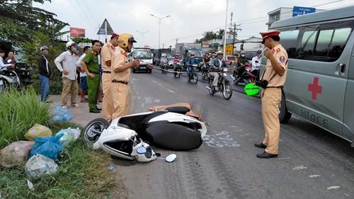 Tiền Giang: Ngã xuống đường, cô gái bị xe tải cán tử vong