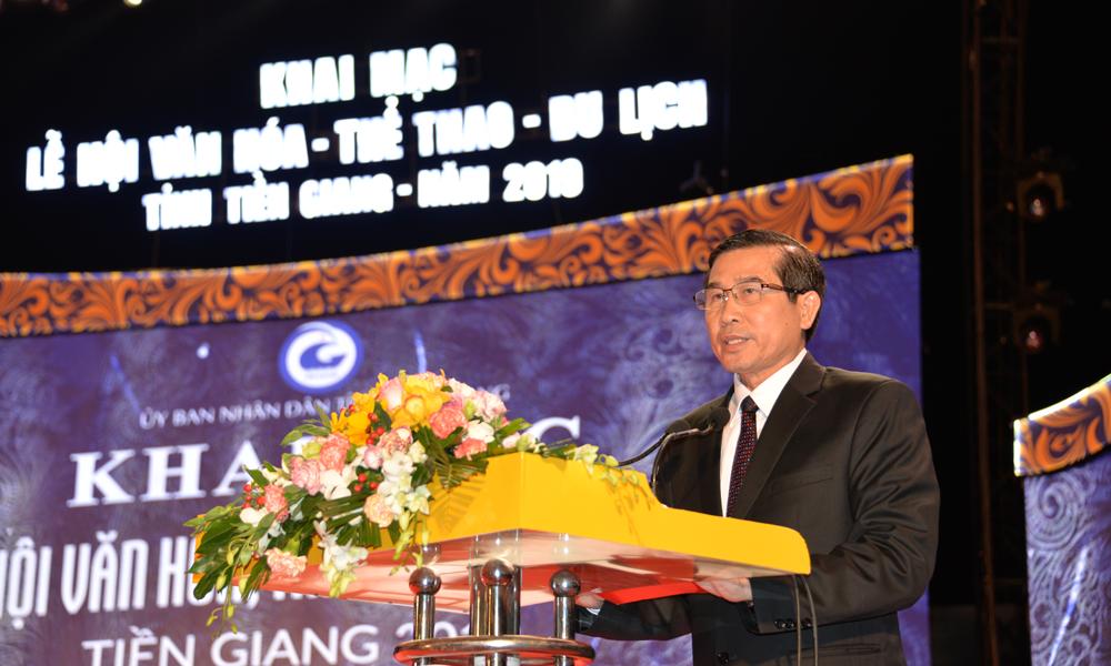 Đồng chí Lê Văn Hưởng phát biểu tại Lễ khai mạc.