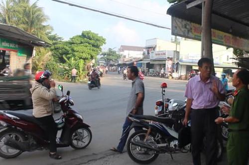 Tiền Giang: Nhóm thành niên truy sát chém chết người trên phố để thể hiện với 2 bạn gái