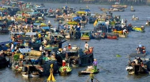 Tiền Giang: Tổ chức hoa đăng trên sông lần đầu tiên ở miền Tây