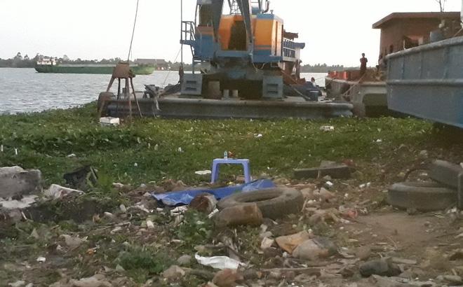 Tiền Giang: Phát hiện xác chết nữ loã thể bên bờ sông Tiền