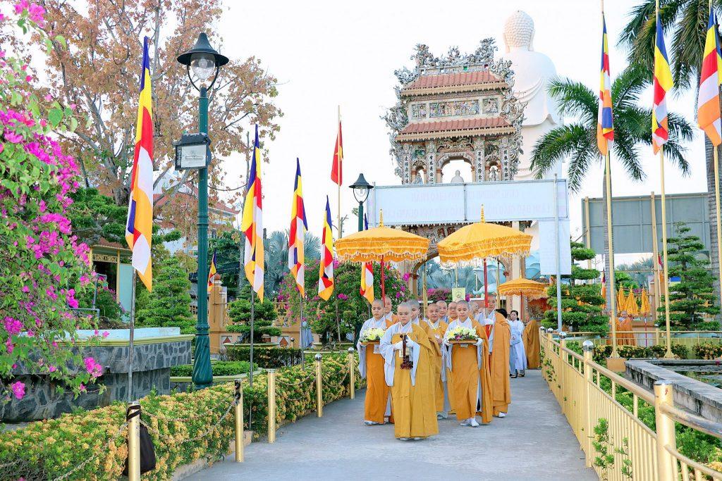 Hàng ngàn ni giới cả nước đã đến tham dự đại lễ