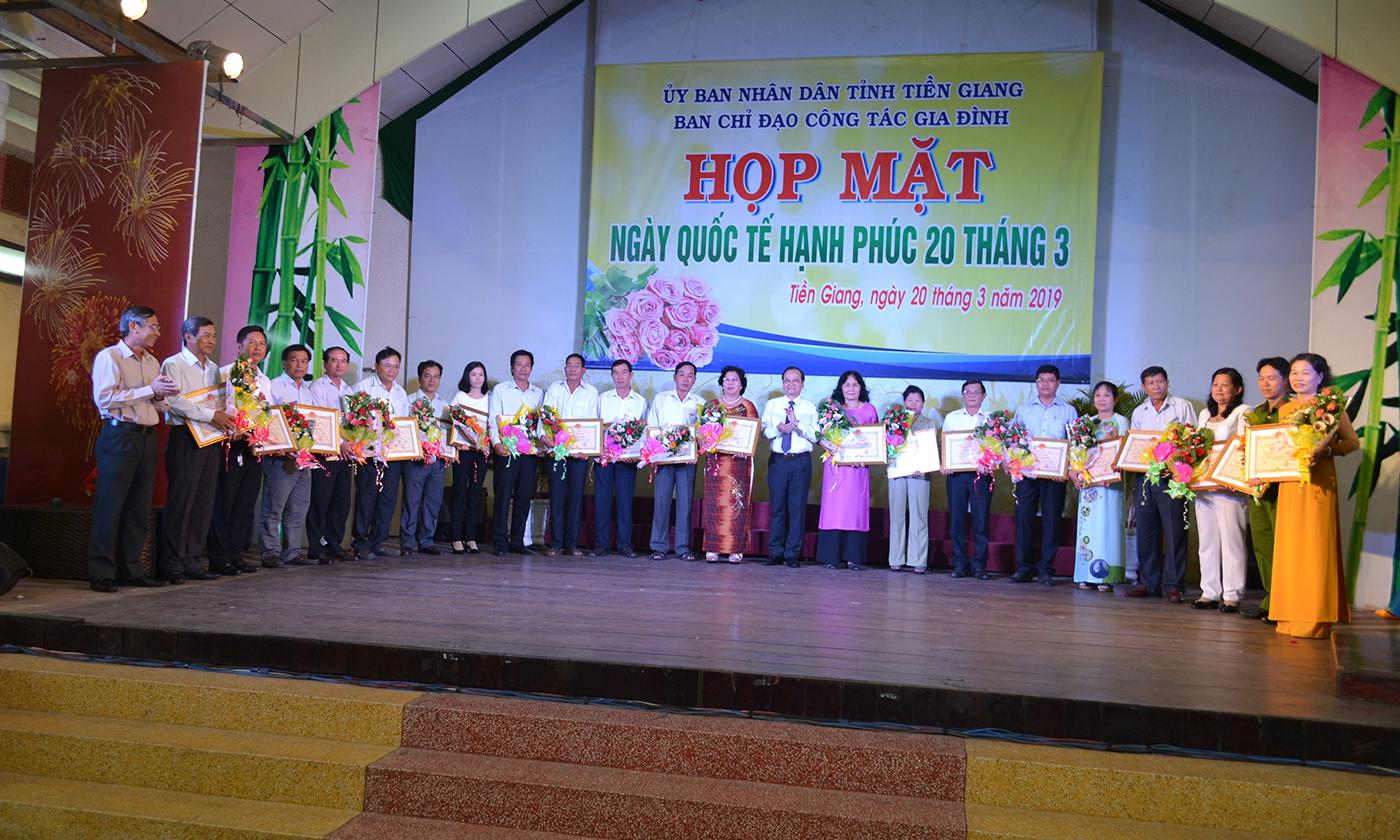 Phó Chủ tịch UBND tỉnh Trần Thanh Đức;