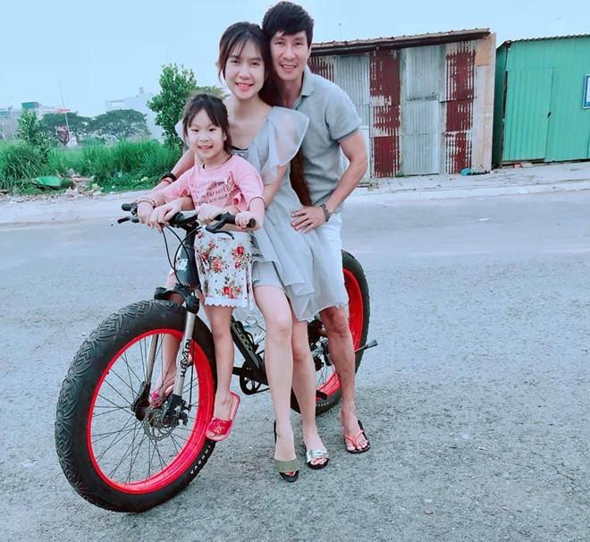Ly Hai, Minh Ha cung 4 con song nhu 'nong dan' trong biet thu moi mua hinh anh 5