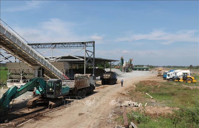 Nhà đầu tư cam kết thông tuyến cao tốc Trung Lương – Mỹ Thuận vào cuối năm 2020