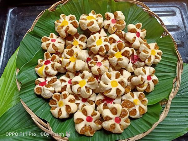 Những chiếc bánh hình hoa mai của anh Thành.
