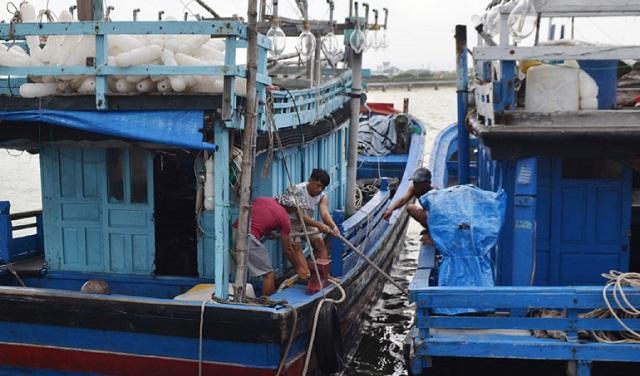 Diễn biến mới nhất bão số 5, các tỉnh Nam Trung Bộ cấm biển, cho học sinh nghỉ học