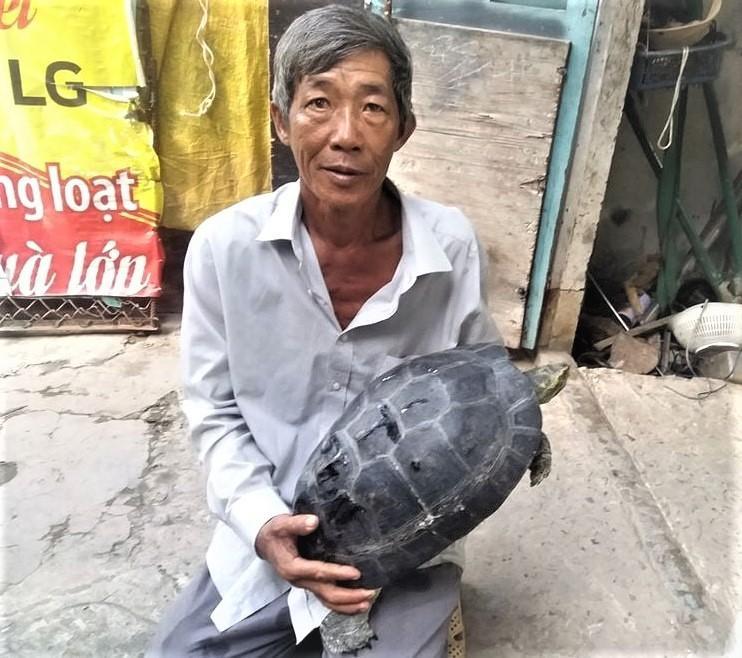 Ông Lượm và con rùa