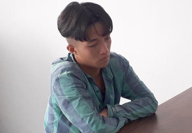 Nhân bàn với bạn gái dụ nạn nhân đến khách sạn, sau đó giở trò cướp tài sản. Ảnh: Anh Minh.